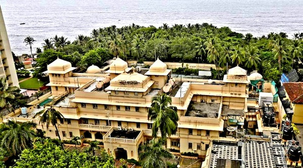 A view of the seaside mansion which was used as the U.S. consulate from 1957, and later renamed Lincoln House, is seen in Mumbai, India, September 14, 2015. Vaccine billionaire Cyrus Poonawalla has bought the former maharaja's mansion in Mumbai from the U.S. government for around 7.5 billion rupees ($113 million), newspapers reported, making it the most expensive ever residential purchase in the country. REUTERS/Shailesh Andrade